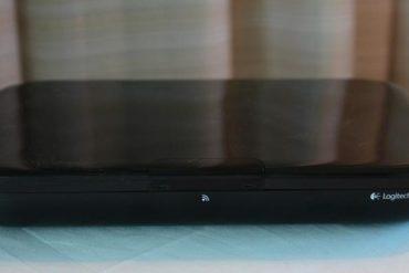 Logitech GoogleTV 370x247 - Google – Google débarque sur votre Tv