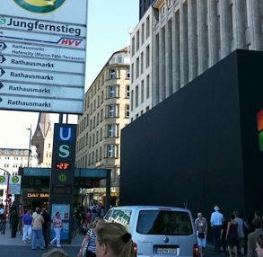 Hamburg Store 293x286 - Mac vs Pc