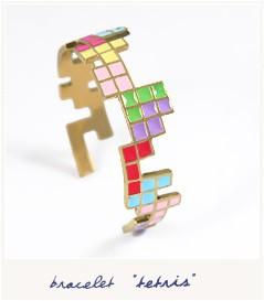 bracelet tetris - 12 idées cadeaux pour la Saint-Valentin