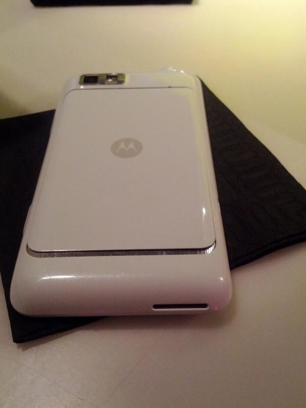 MotoLuxe blanc arriere - MotoLuxe annoncé officiellement