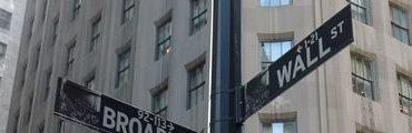 bandeau wall street 370x120 - Facebook en bourse, ça chute...