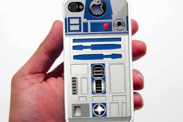 coque R2D2 370x247 - Une coque R2-D2 pour iPhone