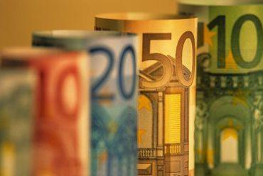 billets euro 370x247 - Augmentez facilement vos revenus