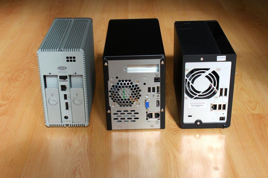 2bigNAS N2800 TS219 arriere 1024x682 - Thecus N2800, le NAS 2 baies le plus rapide au monde ?