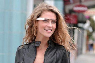 google project glasses femme 370x247 - Bilan des annonces de la Google I/O