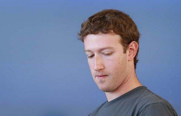 mark zuckerberg - Facebook - Faux profils, cours en chute, suspicion de fraude...