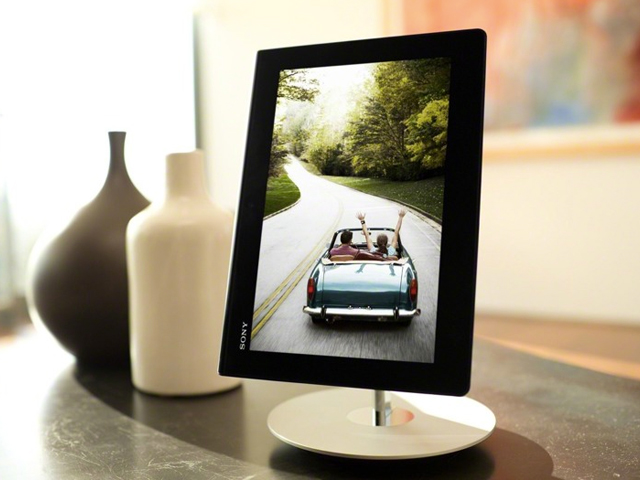 sony xperia tablet s tablet stand  - Sony annonce sa tablette Xperia Tablet S