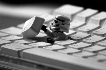clavier mac star wars 370x247 - Comment installer OS X sur votre PC avec VirtualBox ?