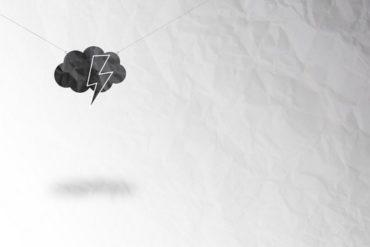 feuille blanche orage 370x247 - Cachem m'a tuer - Origine