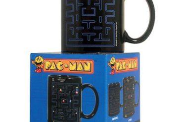 mug pacman 370x247 - 13 cadeaux pour les Geeks et Geekettes