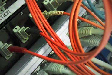 mobile reseau 370x247 - Bouygues Telecom et SFR négocient la mutualisation de leurs réseaux mobiles