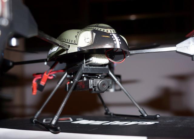 8345276747 2bb4a9058f z - Drône WLToys v959, un jouet extraordinaire !
