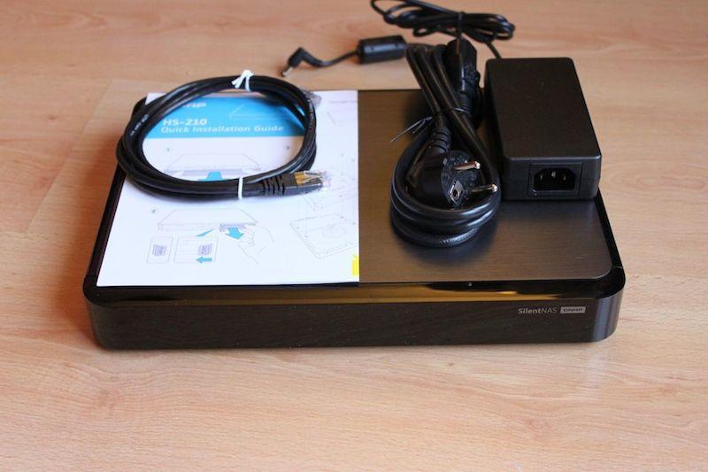 QNAP HS 210 contenu - Test du QNAP HS-210