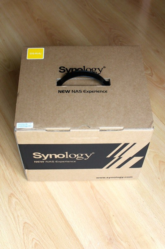 synology-DS414j-boite