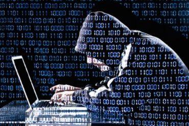 hacker 370x247 - 10 conseils sécurité pour votre NAS