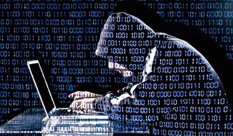 hacker 770x450 - 10 conseils sécurité pour votre NAS
