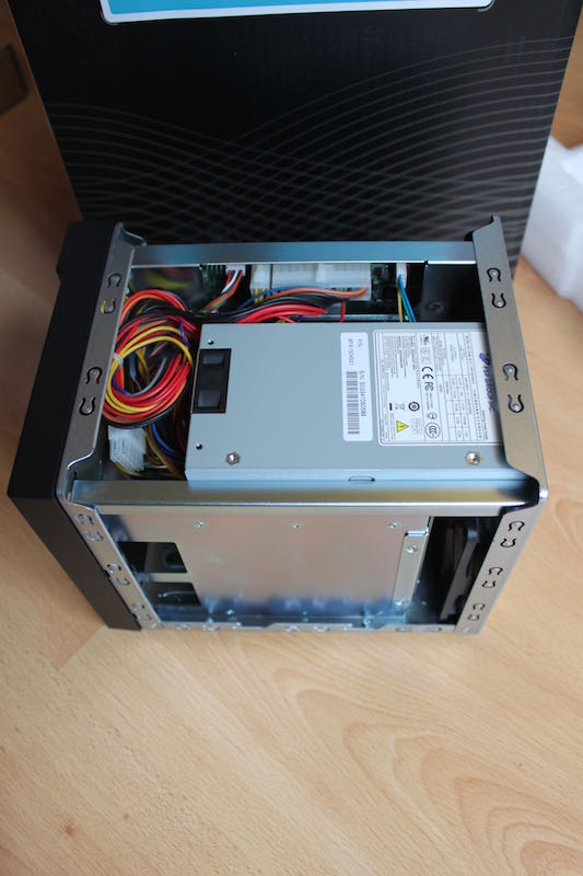 ASUSTOR AS 204TE interieur - Test NAS - ASUSTOR AS-204TE