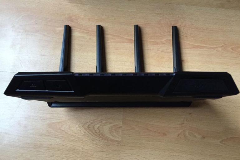 asus rt ac87u avant 770x513 - Test du routeur ASUS RT-AC87U