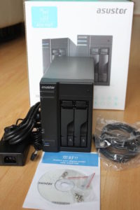 AS5102T unboxing 200x300 - Test NAS - ASUSTOR AS5102T, la nouvelle bombe !