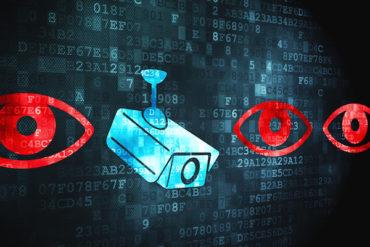 surveillance 370x247 - 5 outils pour protéger votre vie privée en ligne