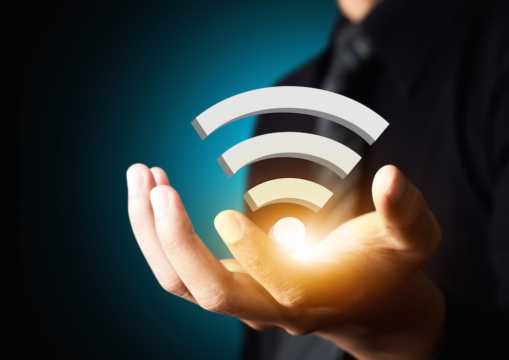 wifi main - Android - Comment analyser et optimiser son WiFi ?