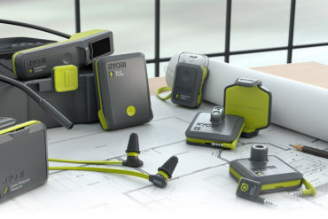 bg familyshot.large  370x247 - RYOBI Phone Works ! Des outils de précision 2.0