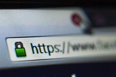 https 370x247 - Auto-hébergement : Monter un site web en 10 minutes avec un NAS