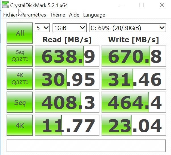 CrystalDiskMark - Veertu, la virtualisation sous Mac gratuite