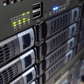 technology servers server 159282 293x293 - Ajouter son NAS comme lecteur réseau sur Windows
