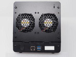 DS418J arriere 300x225 - NAS - Test du Synology DS418j : l'entrée de gamme performant