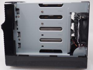 fixations disques DS418j 300x225 - NAS - Test du Synology DS418j : l'entrée de gamme performant