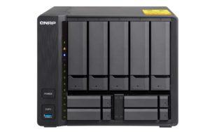 QNAP TS 932X Front 300x188 - QNAP lance 2 NAS 9 baies TS-963X et TS-932X avec du 10Gbits/s