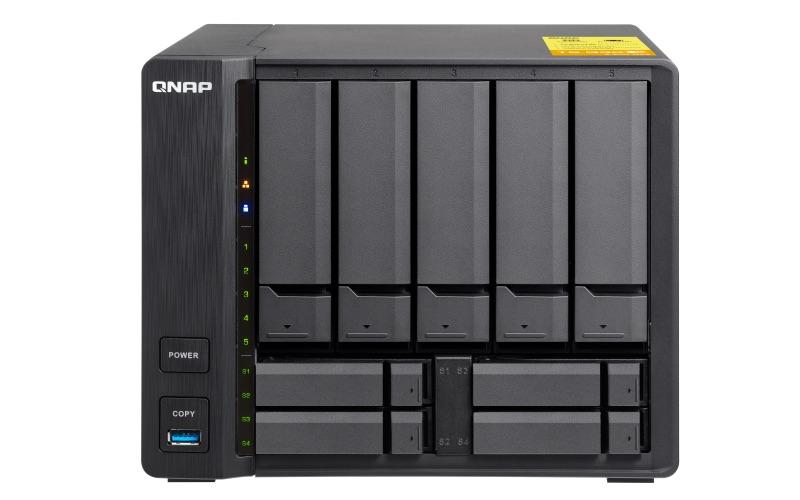 QNAP TS 932X Front - QNAP lance 2 NAS 9 baies TS-963X et TS-932X avec du 10Gbits/s