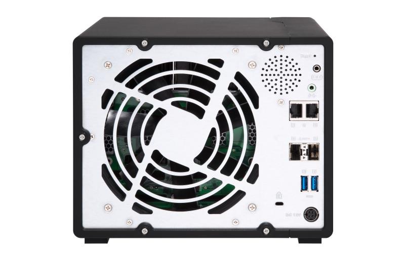 QNAP TS 932X back - QNAP lance 2 NAS 9 baies TS-963X et TS-932X avec du 10Gbits/s