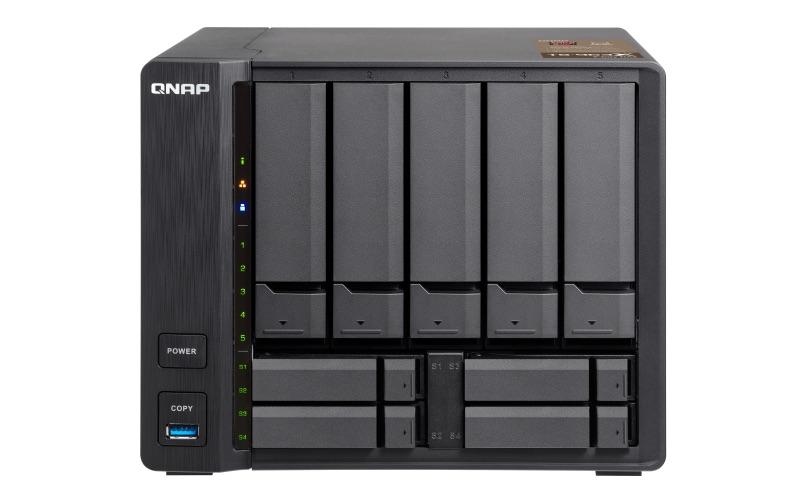 QNAP TS 963X Front - QNAP lance 2 NAS 9 baies TS-963X et TS-932X avec du 10Gbits/s
