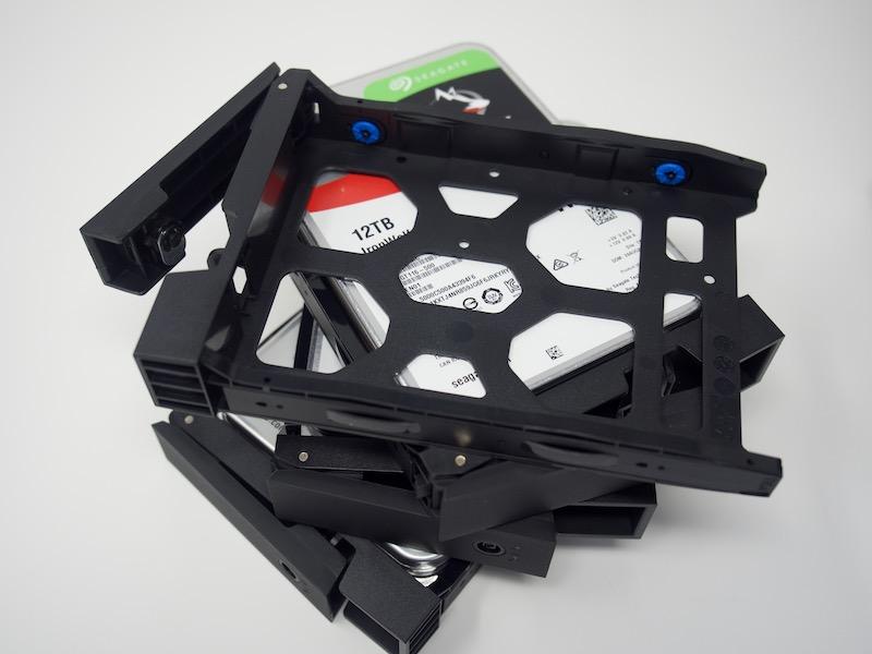 rack disque tr 004 - Test du QNAP TR-004