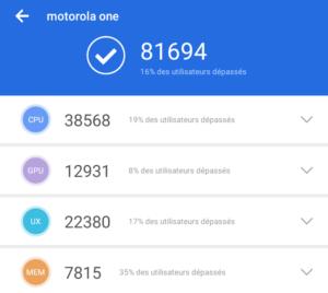 MototorolaOne 300x268 - Test du smartphone Motorola One/Android One