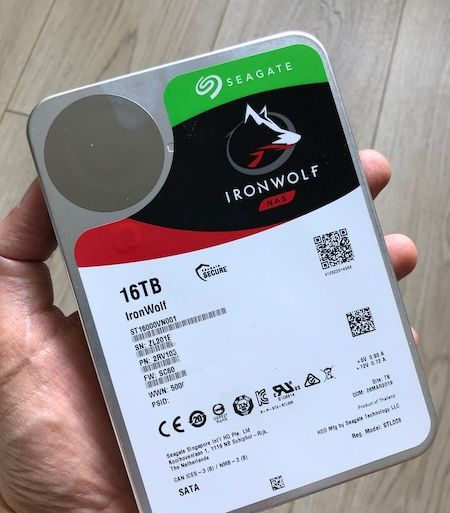 review inronwolf 16TB 450x513 - Test Seagate IronWolf 16 To (disque NAS)