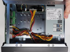 alimentation AS6508T 300x225 - NAS - Test de l'ASUSTOR AS6508T (Lockerstor 8)