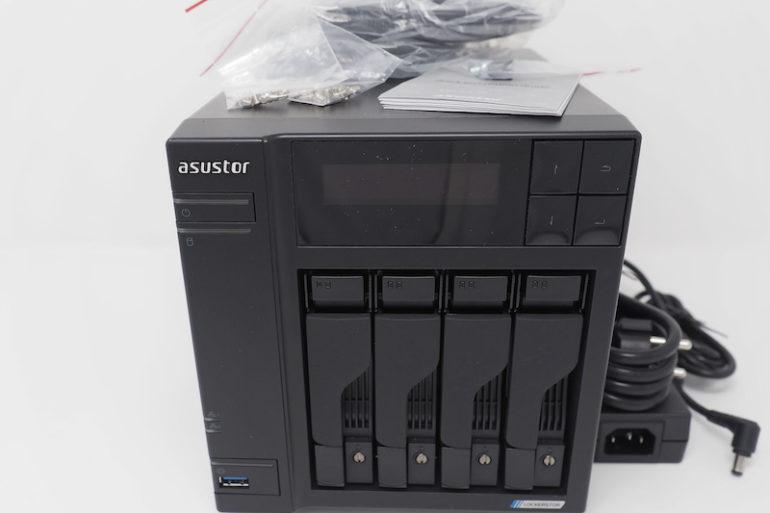 ASUSTOR AS6604T 770x513 - NAS - Test ASUSTOR AS6604T : 4 baies et Multi-Gig
